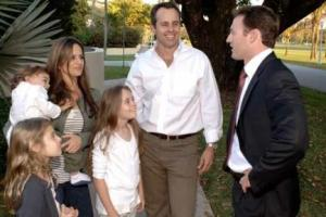 Democrat Patrick Murphy chats with a Florida Family